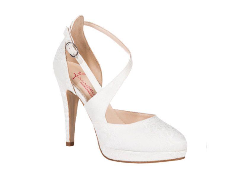 Risultati immagini per scarpe sposa plateau chanel